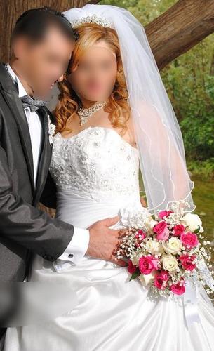 vestido de novia con accesorios