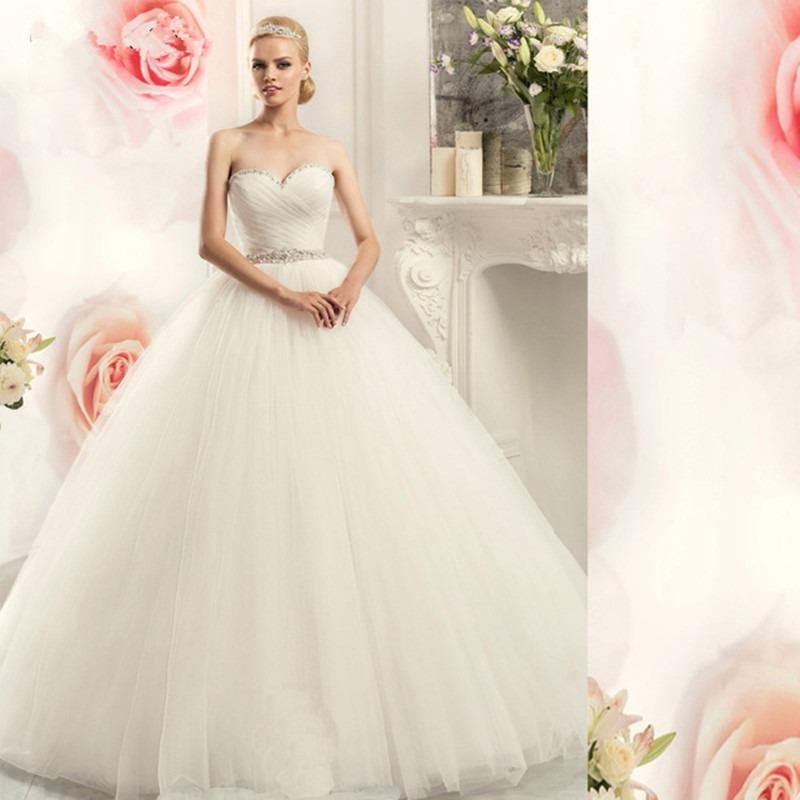 vestido de novia con cinta roja, la cinta es a elección - $ 600.000
