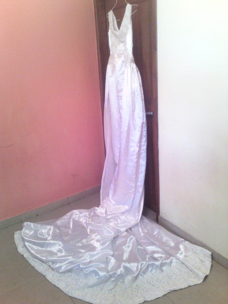 Vestido De Novia Con Cola De Encaje - Bs. 260.000,00 en Mercado Libre