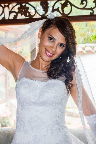 vestido de novia con entallado no chino
