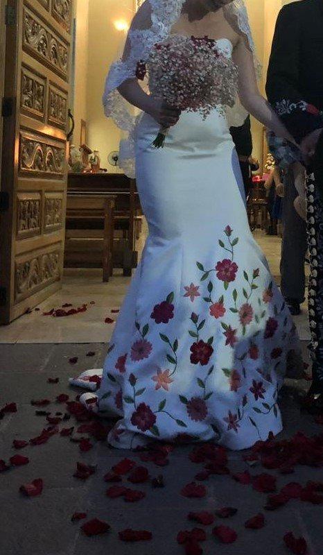Vestido De Novia Diseño Mexicano Bordado A Mano 1100000