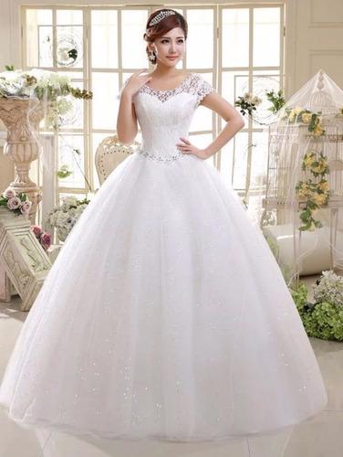 vestido de novia en encaje, tirantes, estilo princesa