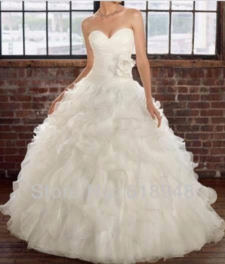 vestido de novia olanes blanco rosa escote corazon crinolina
