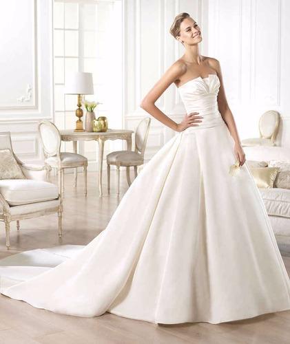 vestido de novia pronovias modelo georgia una postura