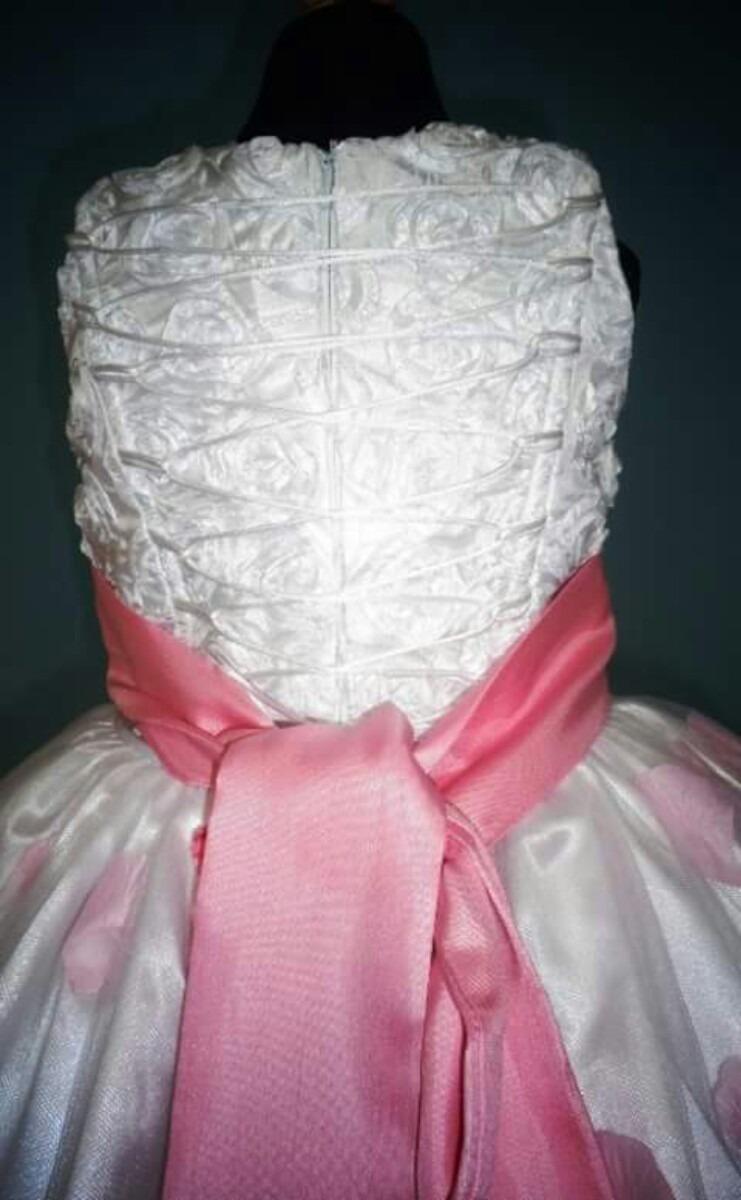 Famoso Pétalos De Color Rosa Vestidos De Dama De Honor Bosquejo ...