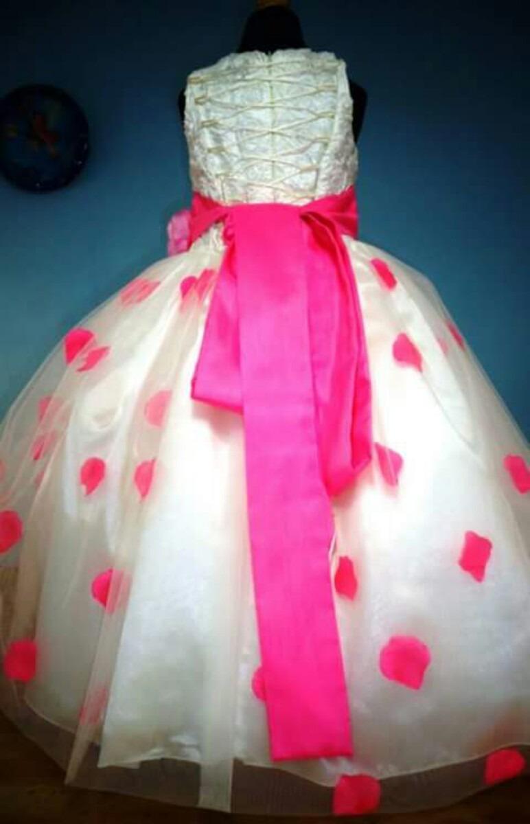Vestido De Paje Con Pétalos De Rosa Color Rosa Mexicano - $ 850.00 ...