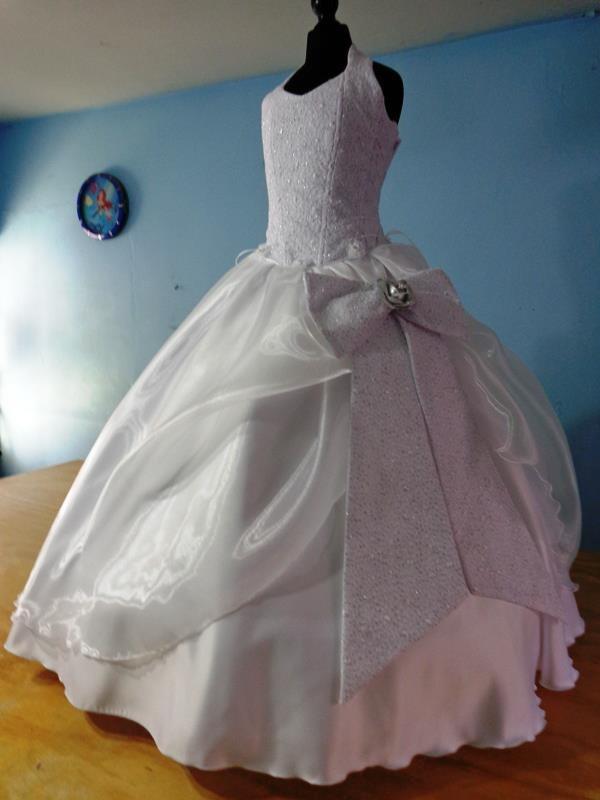 Cuanto cuesta el vestido de primera comunion