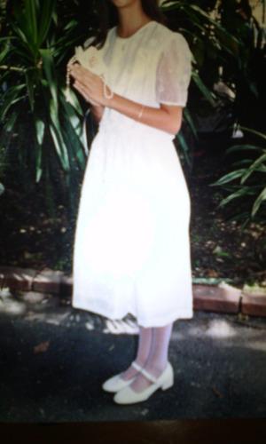 vestido de primera comunión (usado solo una vez)