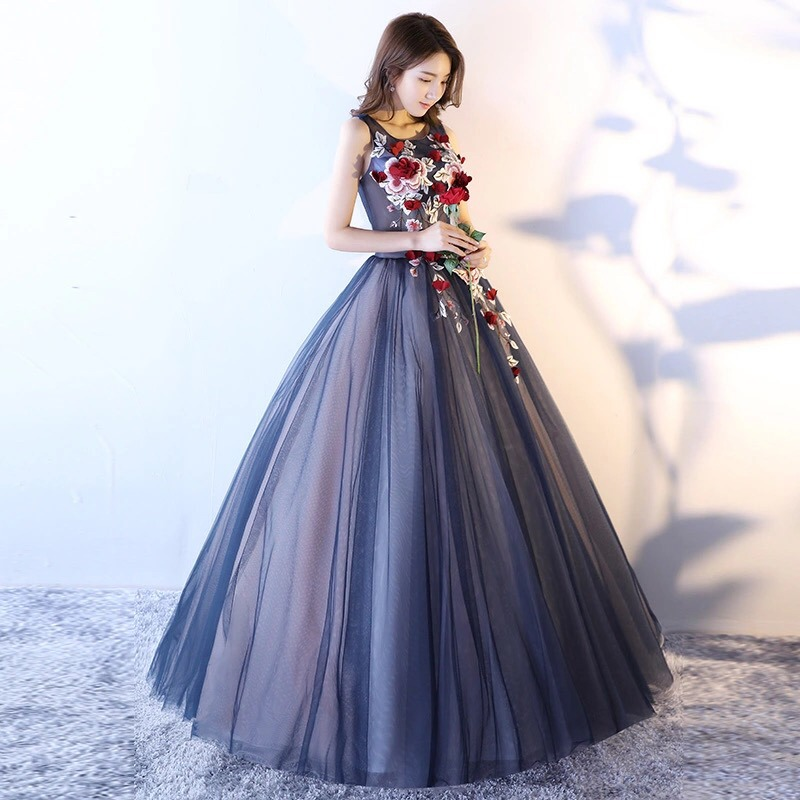 d792529cd1 vestido de xv 15 años dulces 16 azul marino con flores 3d. Cargando zoom.