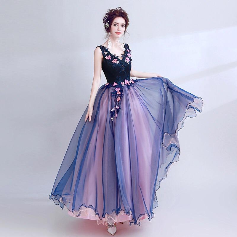 c3296a190 vestido de xv años 15 dulces 16 flores bordado rosas azul. Cargando zoom.