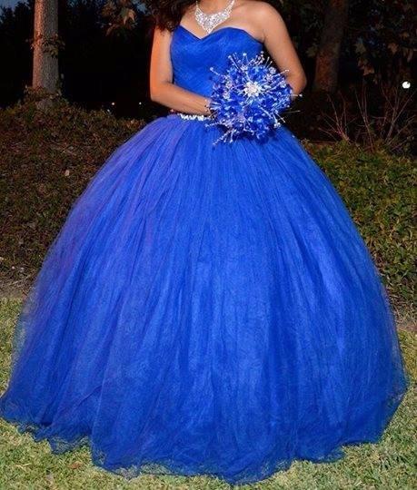 Imagenes de vestidos en color azul rey