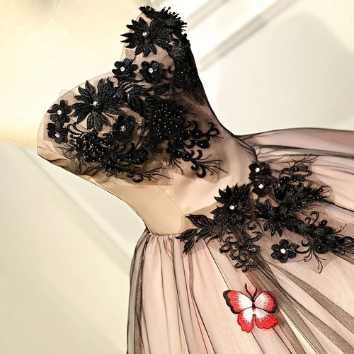 vestido de xv años negro de mariposa  nueva colección
