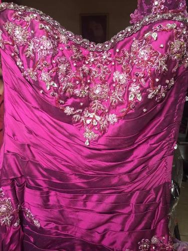 vestido de xv, color magenta/ morado, único
