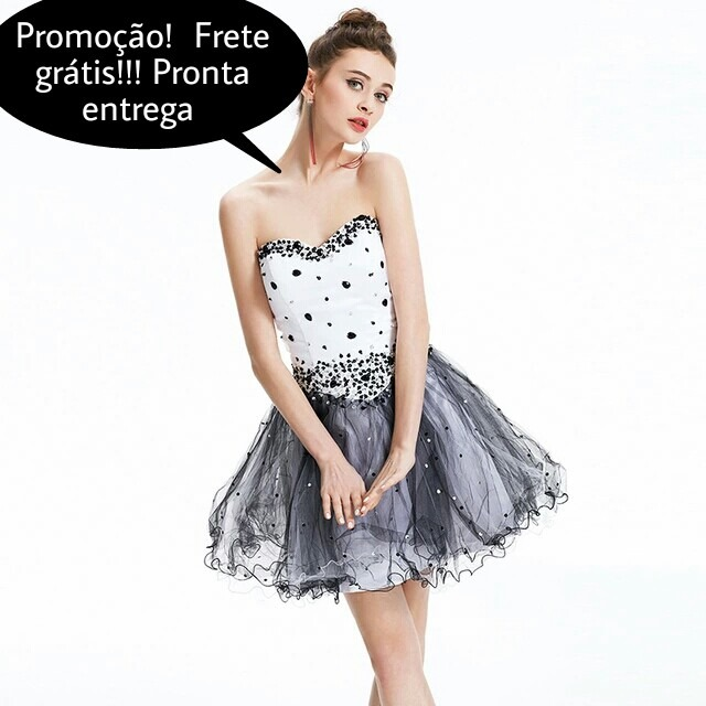 5397ef98ec Vestido Debutante Curto Decote Coraçao Bordado Em Pedraria - R  455 ...