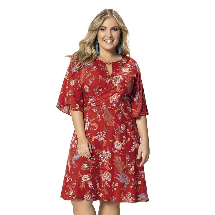 682ac16a0 vestido em viscose floral vermelho manga 3-4 wee! plus size. Carregando  zoom.