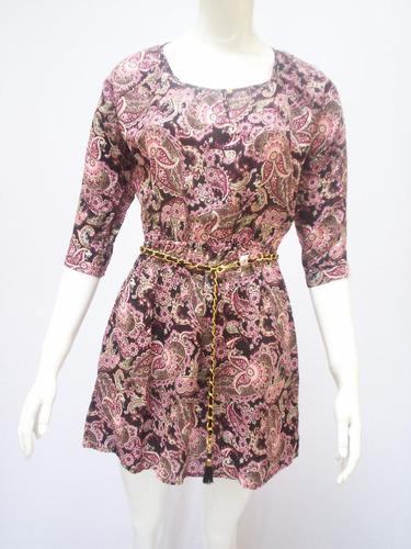 vestido estampado corto con cinturón cadena