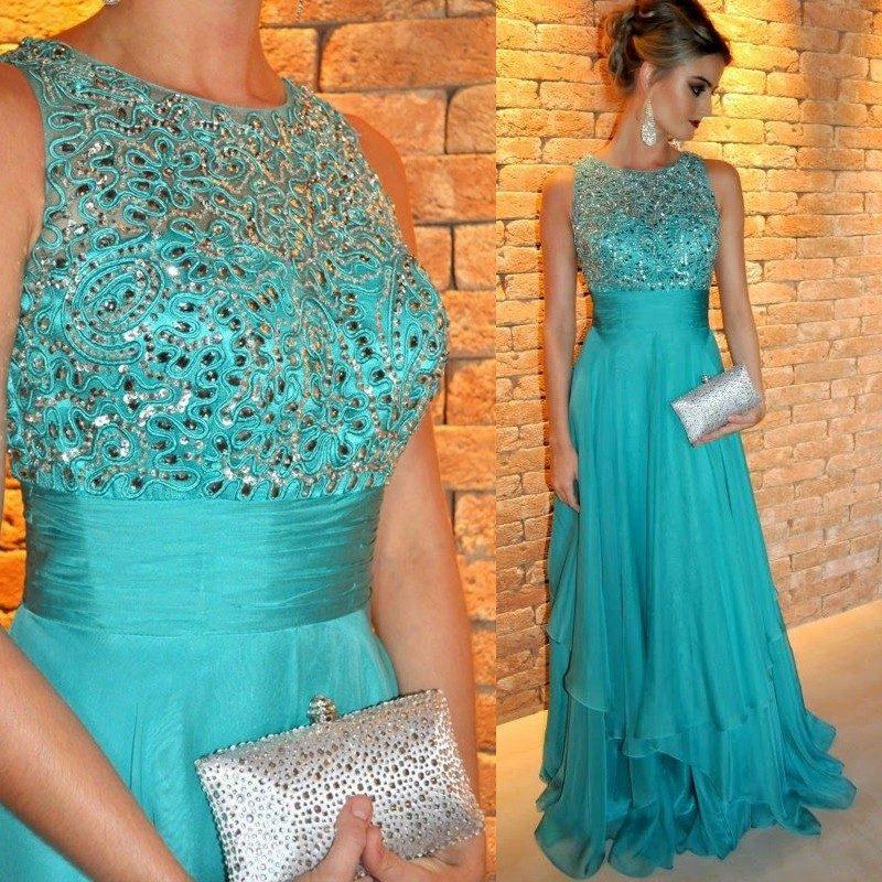 Vestido de festa verde com brilho