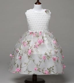 c356a0b13 Vestido Com Flores Bordadas Tule - Calçados, Roupas e Bolsas no Mercado  Livre Brasil