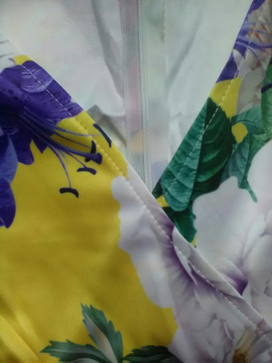 00a9048c0 vestido floral amarillo entallado a la rodilla fiesta casual. Cargando zoom.
