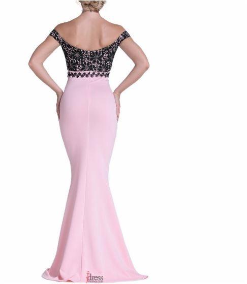 Vestido rosa con encaje negro