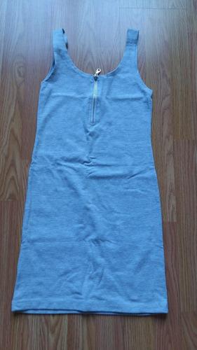 vestido gris al cuerpo mujer / niña