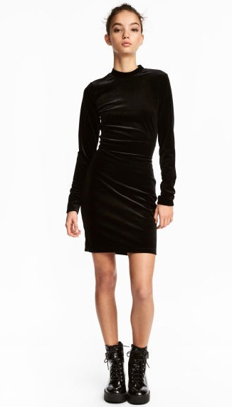 Vestido negro hym