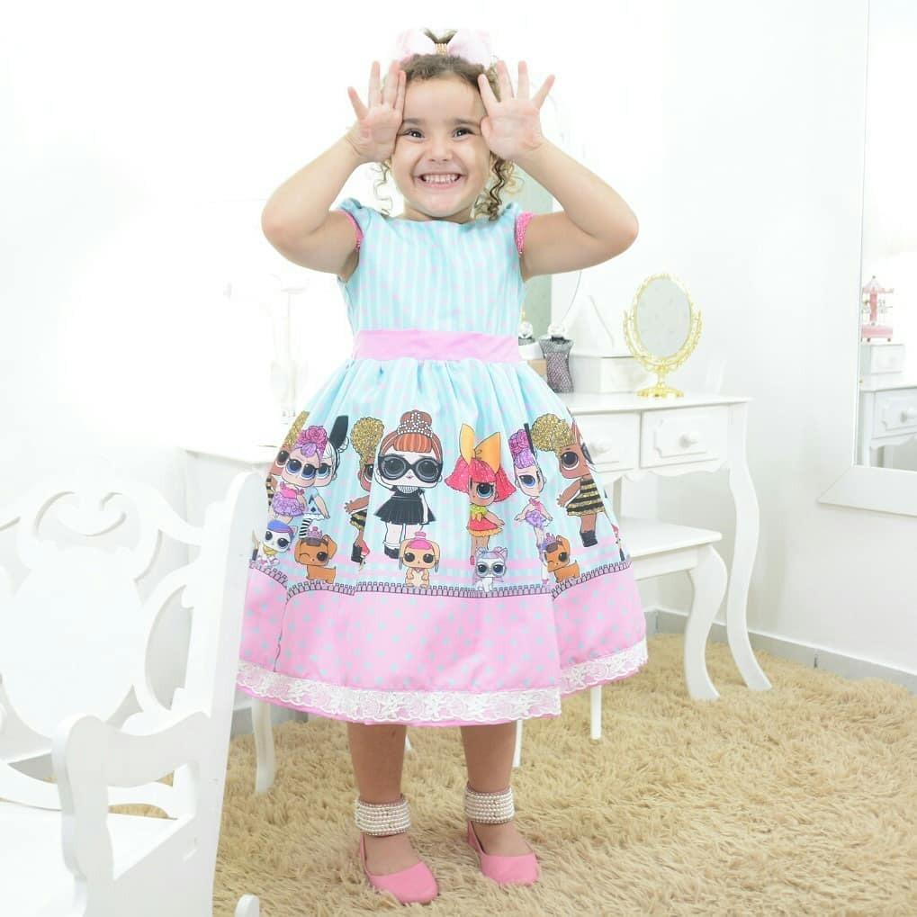3bcaa969d5 vestido infantil festa tema das mínis bonecas lol surprise. Carregando zoom.