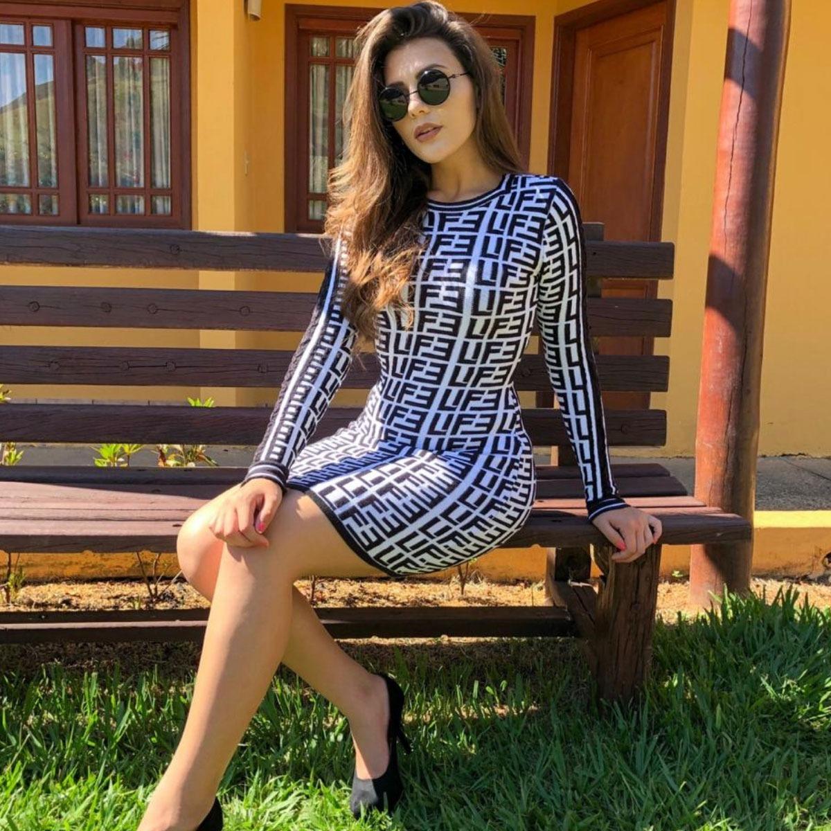 6ee9f7a62 vestido justo curto paniquet tricot trico moda feminina 2019. Carregando  zoom.