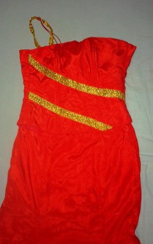 vestido largo rojo estilo corset