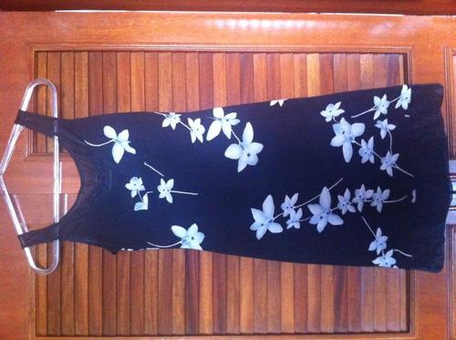 vestido lindo preto com estampa florida. tam p
