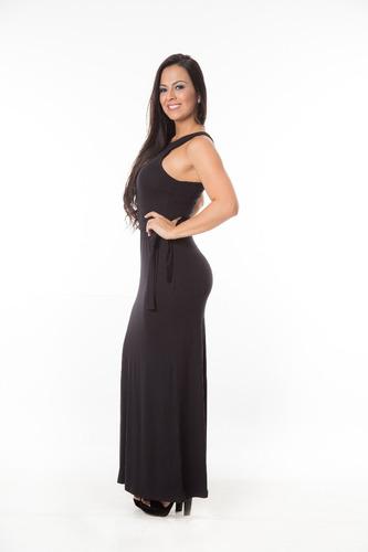 vestido longo fechado com lacinho de amarrar na cintura