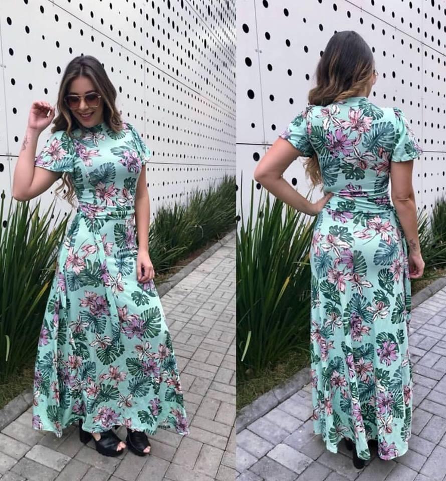 0e5dcffb21 Vestido Longo Manga Curta Evangelico Preto E Floral - R  120
