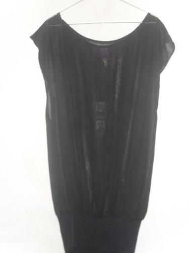 vestido marca orb con detalle