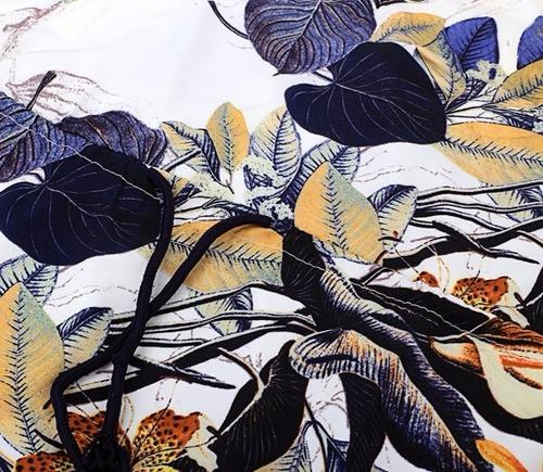 vestido mini de hojas