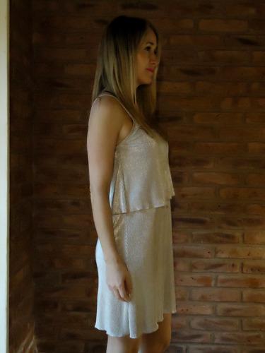 vestido mostaza  con hermoso diseño