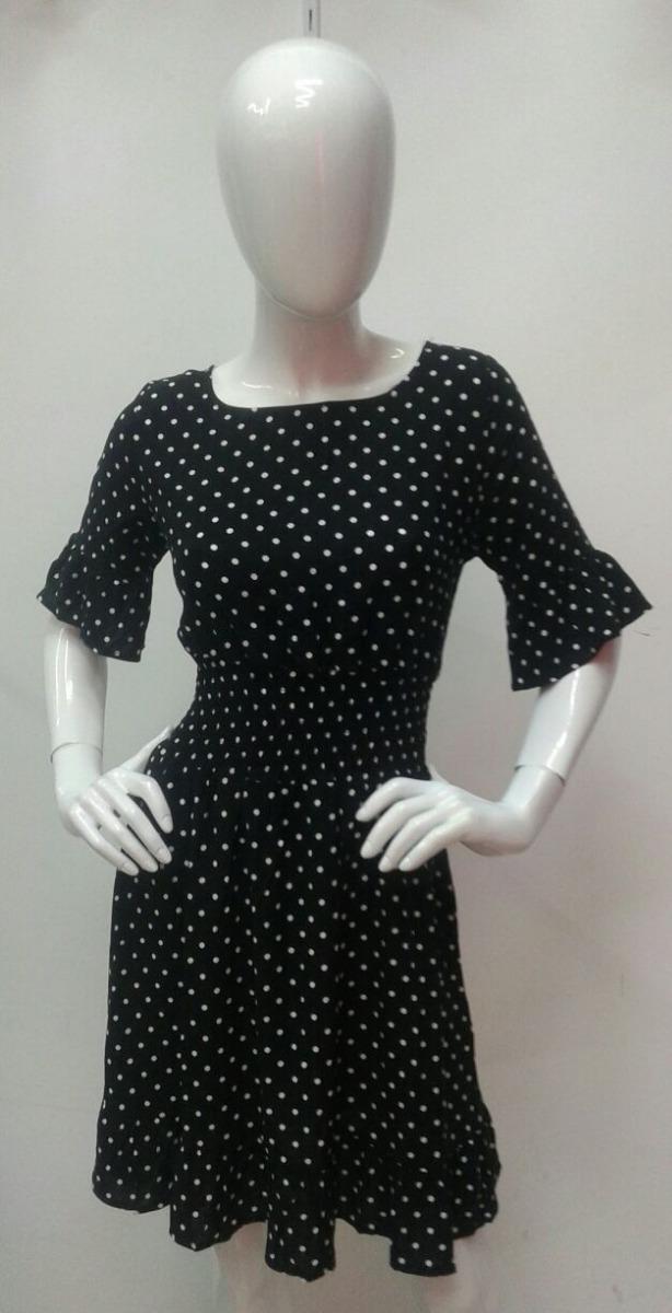 Vestido negro de puntos blancos