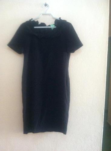 vestido negro con volantes  talla 4