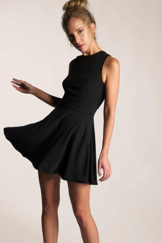 Vestido Negro Corto Campana Talla Unica
