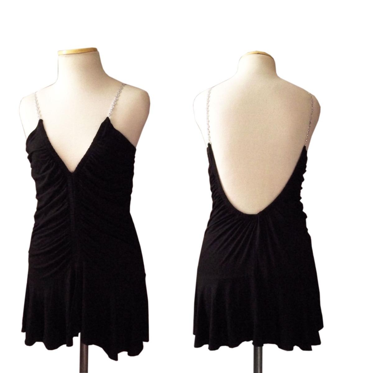 Vestido negro corto con espalda