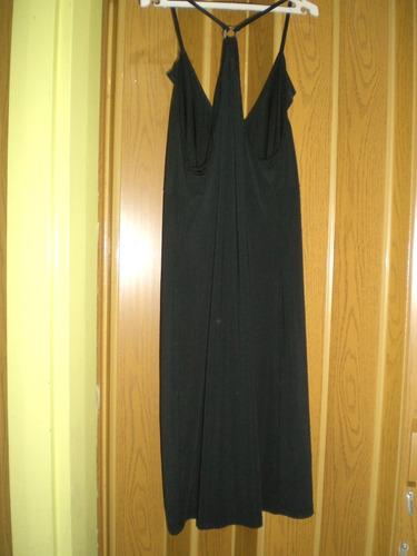 vestido negro de coctel o casual