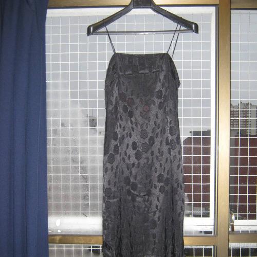 vestido negro de fiesta-estampado