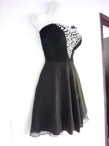 Vestido negro con piedras plateadas