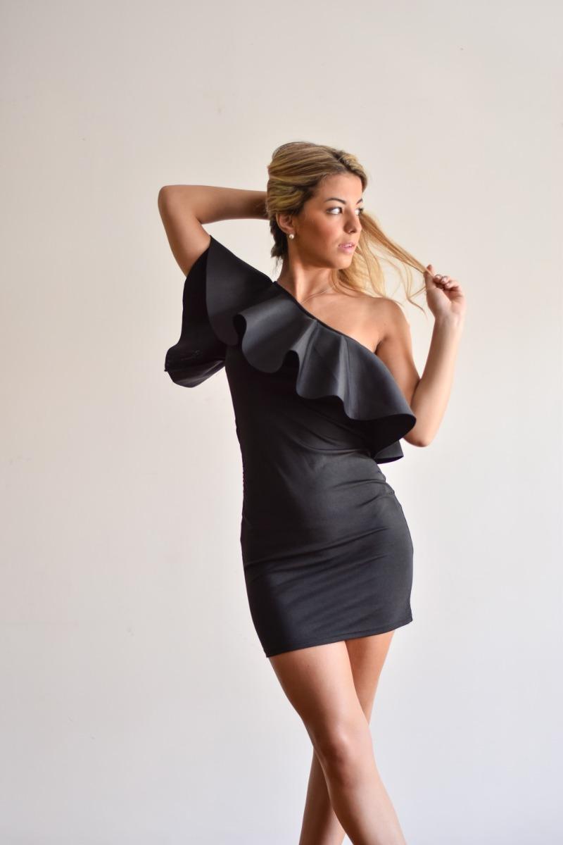 Vestido negro un hombro