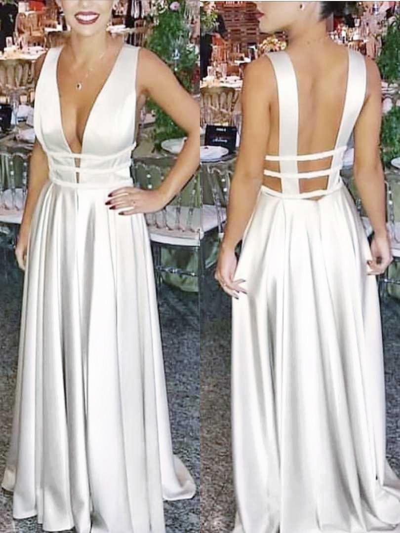 Vestido Noiva Moderna Decotado Longo Branco Casamento Praia