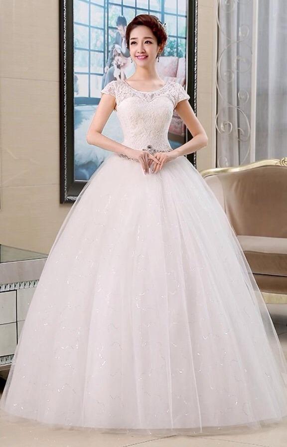 vestido novia princesa cinturón pedrería corset manguita