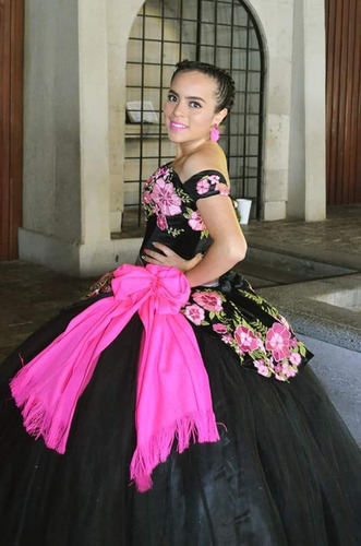 vestido nuevo de xv años mexicano bordado en realce