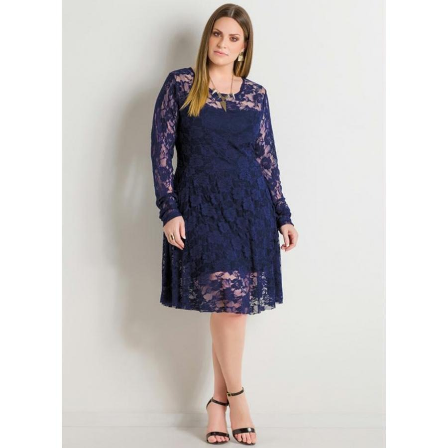 565acc626 vestido plus size em renda marinho manga longa quintess. Carregando zoom.