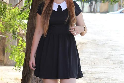 vestido preto curto estilo wandinha  da familia addams.