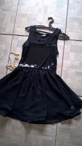 vestido preto  lantejola paête com cinto de corrente