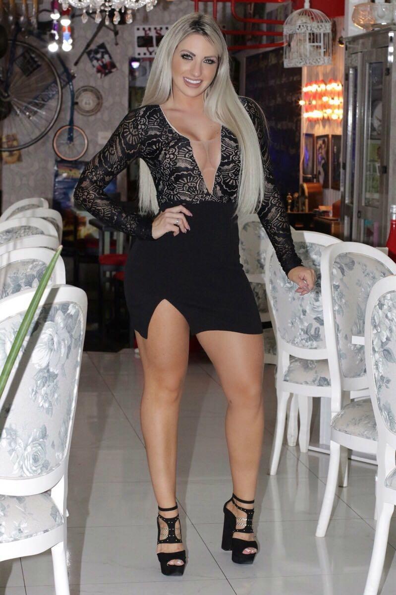 fcb9b85e27 Vestido Preto Rendado Com Tule No Decote E Nas Costas - R  179